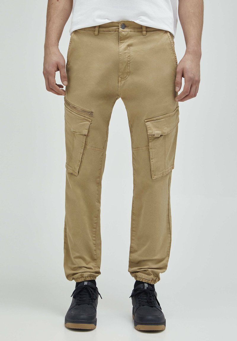 PULL&BEAR - Cargo trousers - beige