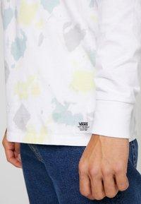 Vans - ELEVATED TIE DYE - Långärmad tröja - white - 5