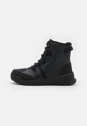 SNOWTREKKER - Buty trekkingowe - black/graphite