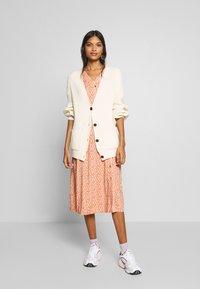 esmé studios - GRACE DRESS - Košilové šaty - carnelian - 1