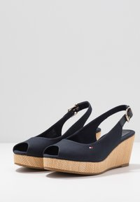 Tommy Hilfiger - ELBA - Wedge sandals - desert sky