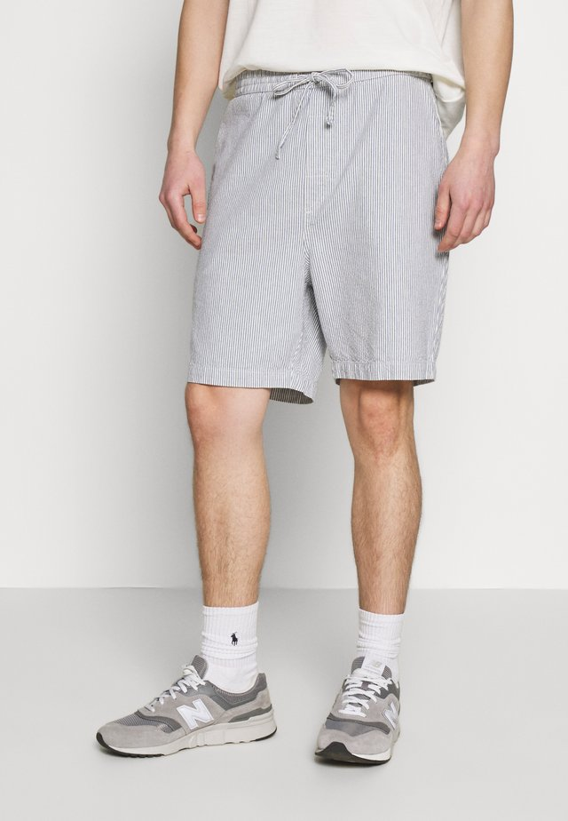 VEJLE THIN STRIPES - Shorts - blue