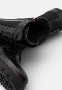 Scotch & Soda - OLIVINE - Kozačky na platformě - black - 5