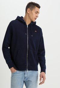 Levi's® - ORIGINAL ZIP UP HOODIE - veste en sweat zippée - dark indigo - 0