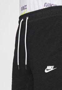 Nike Sportswear - MIX - Shortsit - black/ice silver/white - 4