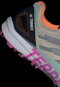 adidas Performance - TERREX SPEED PRO  - Løpesko for mark - green - 7