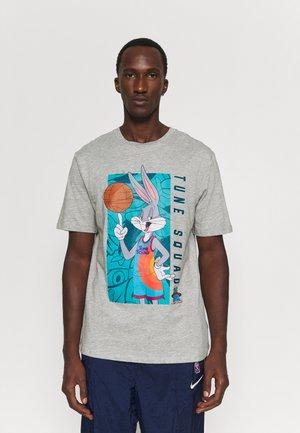 SPACE JAM 2 IN THE BOX TEE - Print T-shirt - grey