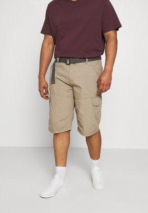 CARGO WITH BELT - Shorts - sand