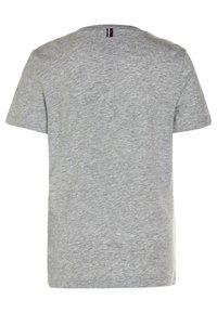 Tommy Hilfiger - BOYS BASIC  - Jednoduché triko - grey heather - 1