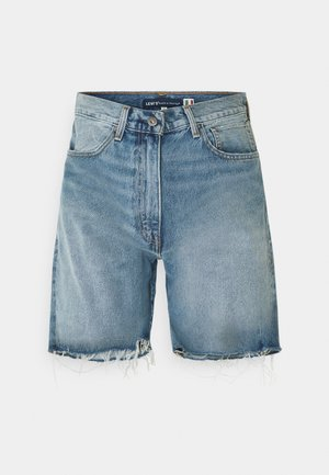 LOOSE SHORT - Džínové kraťasy - light blue denim