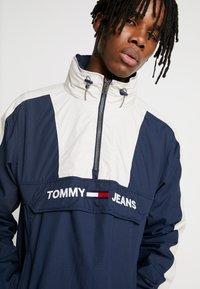 Tommy Jeans - COLORBLOCK POPOVER - Windbreaker - black iris/pumice stone - 5