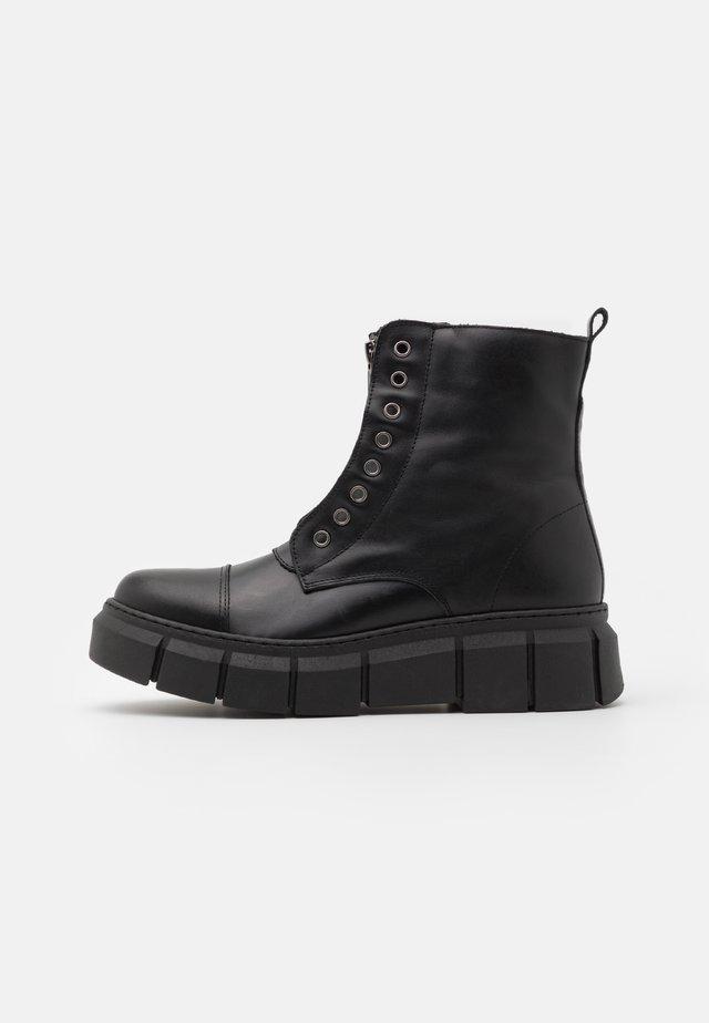 ZIPPER - Kotníkové boty na platformě - alaska
