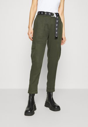 BELTED UTILITY TAPER - Trousers - deep depths