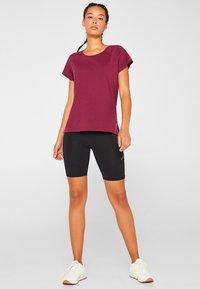 Esprit Sports - Print T-shirt - dark pink - 1