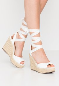 New Look - PADY TIE UP WEDGE - Sandalias de tacón - white - 0