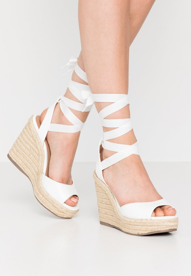 New Look - PADY TIE UP WEDGE - Sandalias de tacón - white