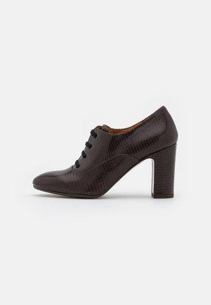 ELITA - Ankle boots - fila grape