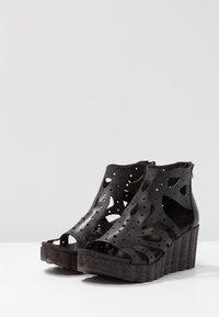 Felmini - LESLIE - Platform sandals - black - 4