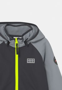 LEGO Wear - SKY UNISEX - Soft shell jacket - light grey - 3