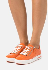 Caprice - LACE UP - Sneakers laag - orange - 0