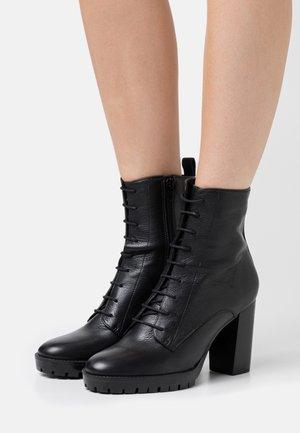 NORE - Kotníková obuv na vysokém podpatku - noir