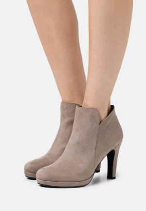 High heeled ankle boots - pepper