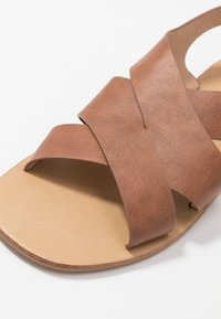 Glamorous Wide Fit - Sandals - tan - 2