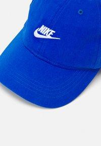 Nike Sportswear - FUTURE CURVE BRIM UNISEX - Cap - game royal - 3
