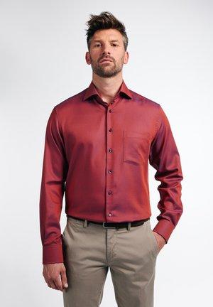 MODERN FIT - Shirt - orange