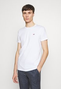 Hollister Co. - MUSCLE FIT CREW  - Camiseta estampada - white - 0