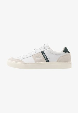 COURTLINE - Sneakersy niskie - white/dark green