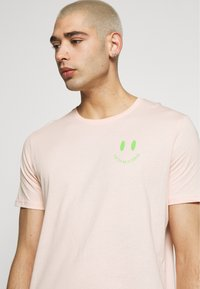 YOURTURN - T-shirt med print - pink - 4
