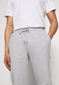 Michael Kors - Pantaloni sportivi - heather grey - 3