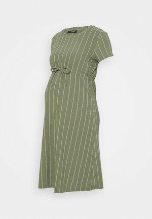 DRESS STRIPE - Žerzejové šaty - dusty olive