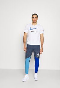 Nike Performance - ELITE WOVEN PANT BLUE RIBBON SPORTS - Pantalones deportivos - thunder blue/game royal/coast/white - 1