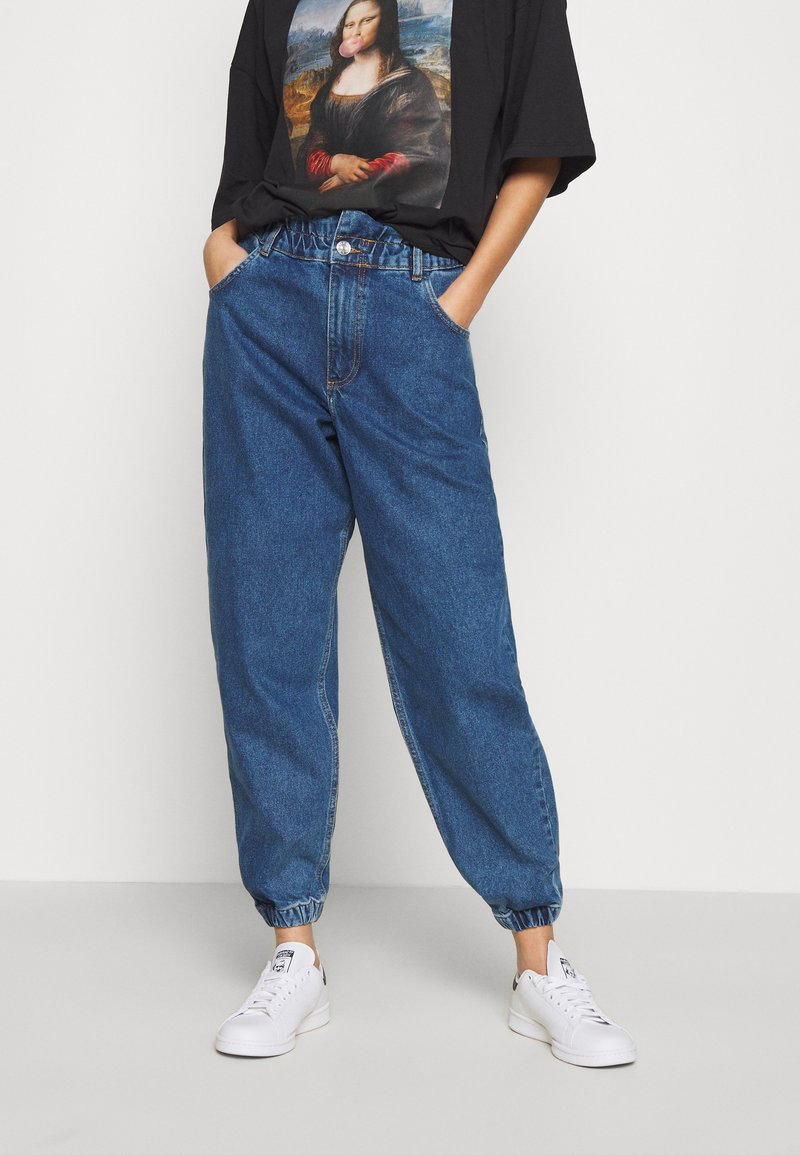 ONLY - ONLOVA ELASTIC LIFE CARROT - Jean boyfriend - medium blue denim