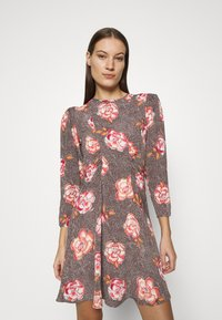 byTiMo - SPRING MINI DRESS - Vapaa-ajan mekko - light pink - 0