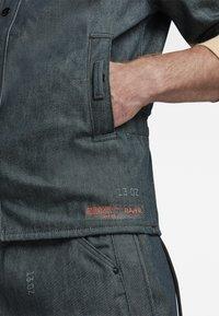 G-Star - GSRR CROPPED LINED SHIRT - Overhemd - wakoucha denim raw denim - 5