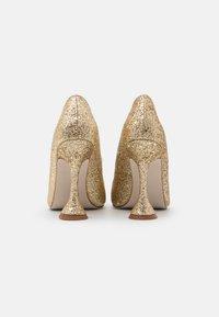 BEBO - MONICA - Lodičky na vysokém podpatku - gold glitter - 3