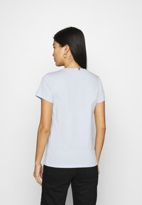 Tommy Hilfiger - NEW CREW NECK TEE - Basic T-shirt - breezy blue