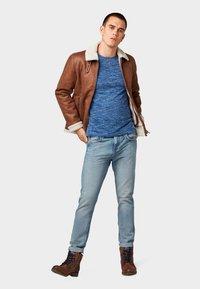 TOM TAILOR DENIM - CONROY TAPERED  - Jeans Tapered Fit - light stone blue denim - 1