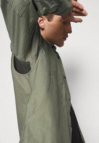 CLOSED - UTILITY  - Shirt - soft khaki - 5