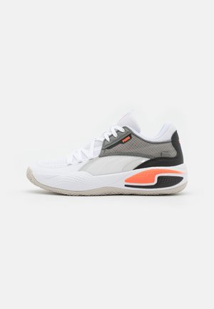 COURT RIDER - Basketball shoes - glacier gray/energy red