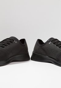 Lacoste - FIT - Sneakers laag - black - 5