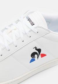 le coq sportif - COURTSET UNISEX - Trainers - optical white/dress blue - 5