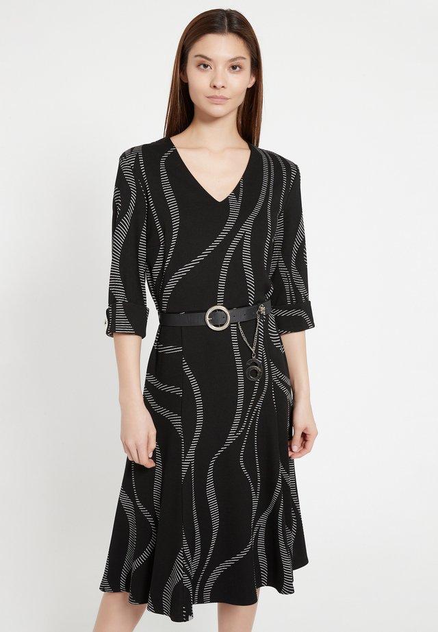 BEOLE - Korte jurk - schwarz-weiß