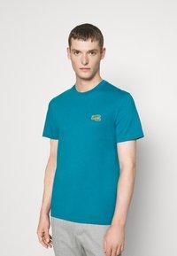 Lacoste - Basic T-shirt - royal blue - 0
