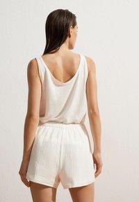 OYSHO - Shorts - white - 1