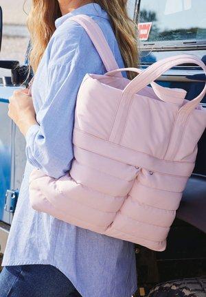 QUILT HYBRID - Sac à dos - pink