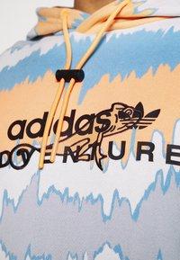 adidas Originals - HOODY UNISEX - Sweatshirt - hazy orange/multicolor - 4